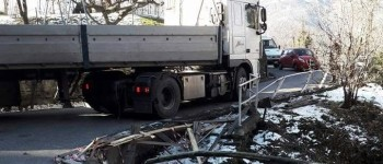 camion incastrato sp67