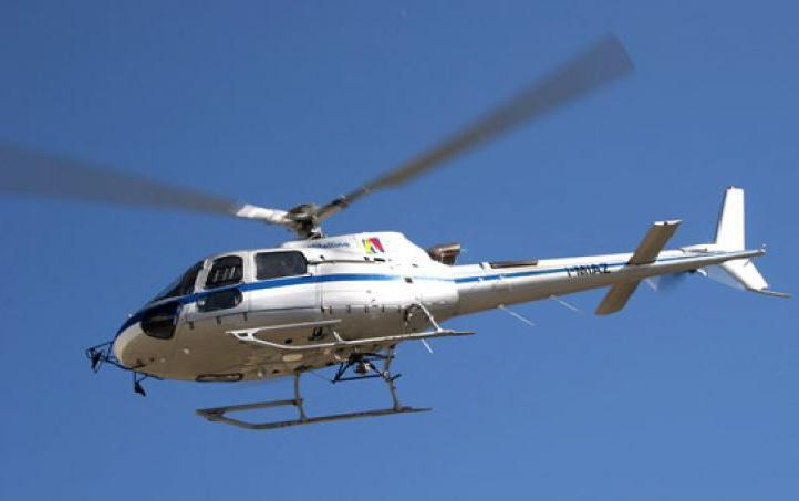 Elicottero Nero E Giallo : Novate mezzola elicottero sparito in volo è giallo