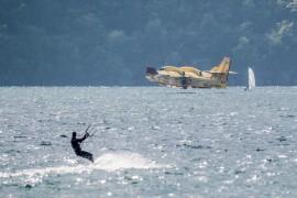 CANADAIR E KITE SURF LAGO
