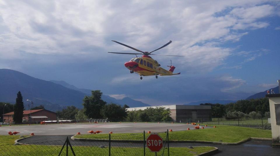 Elicottero Lecco : Elicottero elisoccorso piazzola lario news